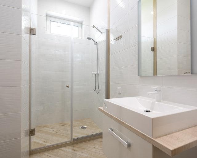 Box doccia: quale tipo scegliere per il tuo bagno