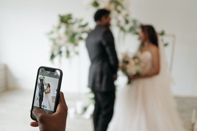 Fotografi di matrimonio: colori stupendi, toni caldi e romantici